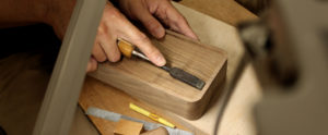 ヘッドライン-木地職人の手