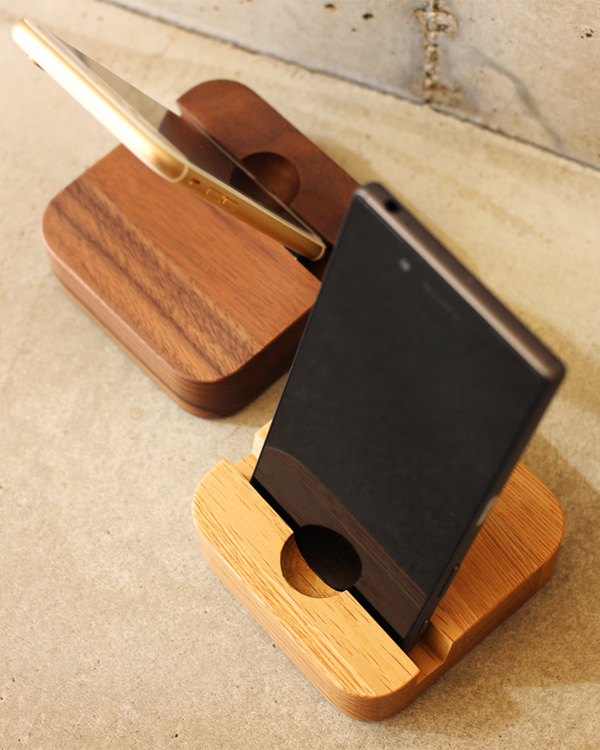 スマートフォン・タブレット用スタンド「BLOCK-SmartphoneStand」