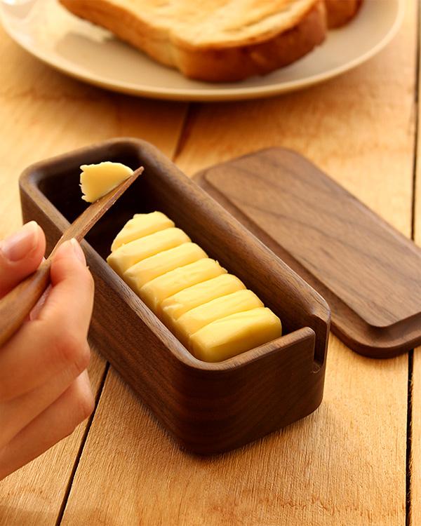 優雅な朝食のひとときに。木製バターケース「Butter Case Sサイズ」