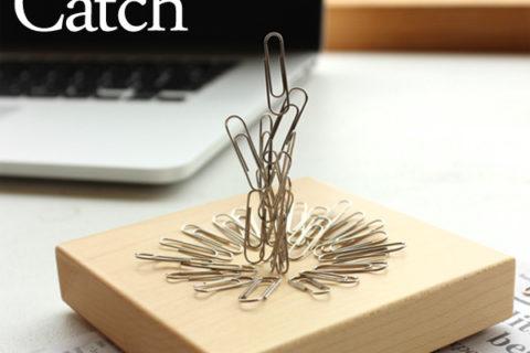 クリップをキャッチする木のかけら「Clip Catch」