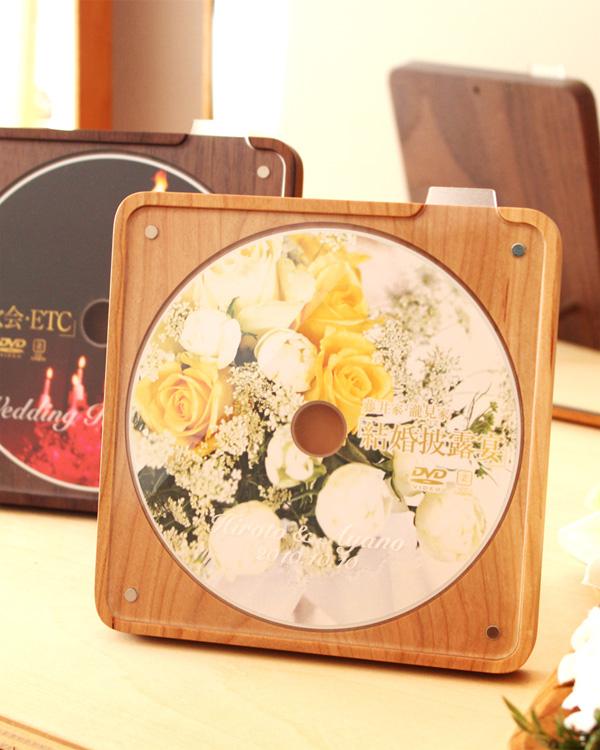 お気に入りのCD・DVDを美しく飾る木製スタンド・ケース