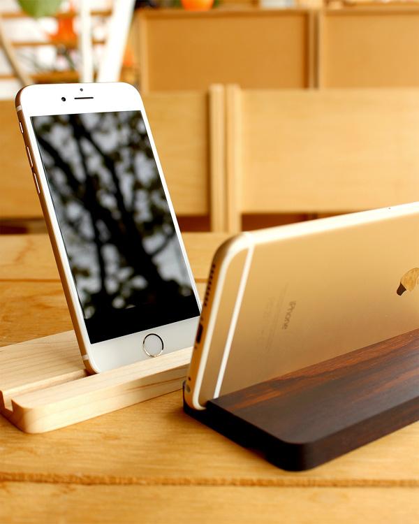 木を削り出して作ったiPhone,