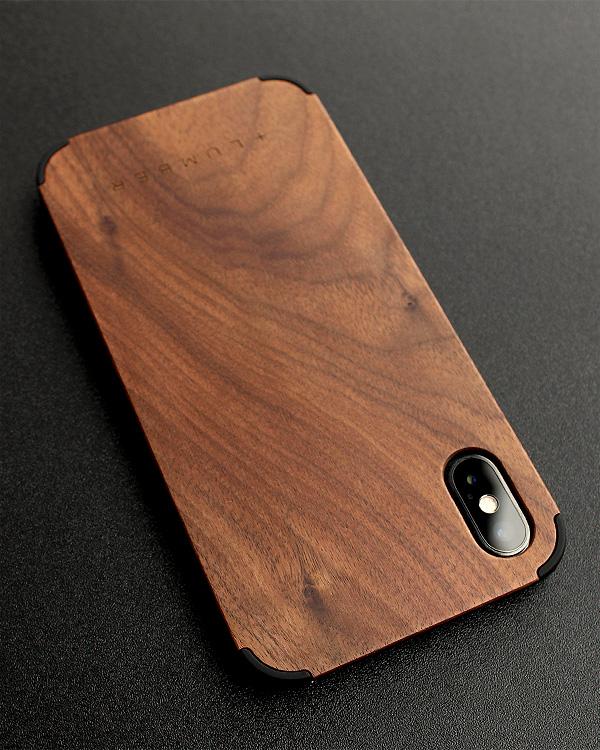 丈夫なハードケースと天然木を融合したiPhone専用木製ケース