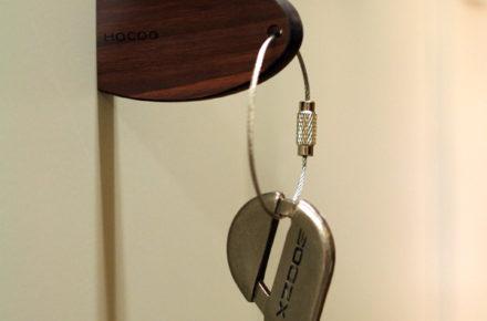 手軽に取付けられるマグネットキーホルダー「Keyholder-Pick」