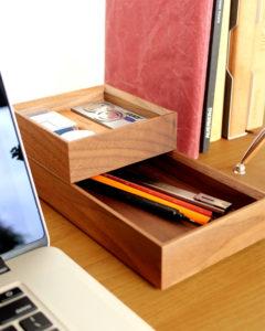 機能的でシンプルなデザインのおしゃれな文具トレー・小物入れ