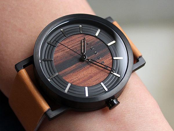 ステンレス削り出しケースに銘木を活用した木製腕時計 WATCH 2200