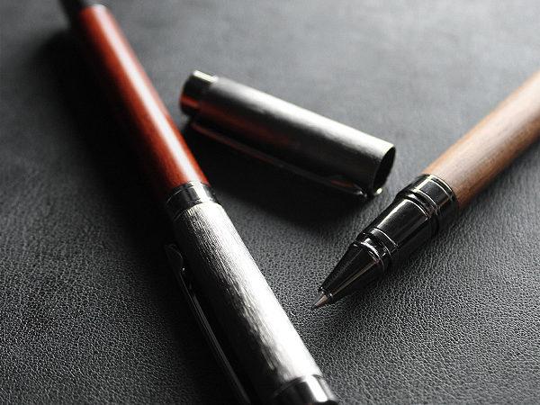 【名入れ可能】丸型木製ボールペン