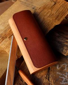木と牛革を組み合わせたおしゃれな筆箱・ペンケース「Flap Pen Case」