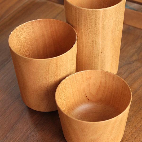 天然の木から削り出して仕上げた、薄さ約2mmの木製コップ・カップ