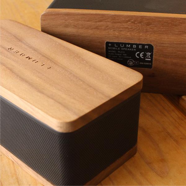 Bluetooth接続による遠隔操作で約10m離れた場所からでも操作可能。リビングやキッチンなど様々な場所にて快適な音楽ライフをご提供いたします。