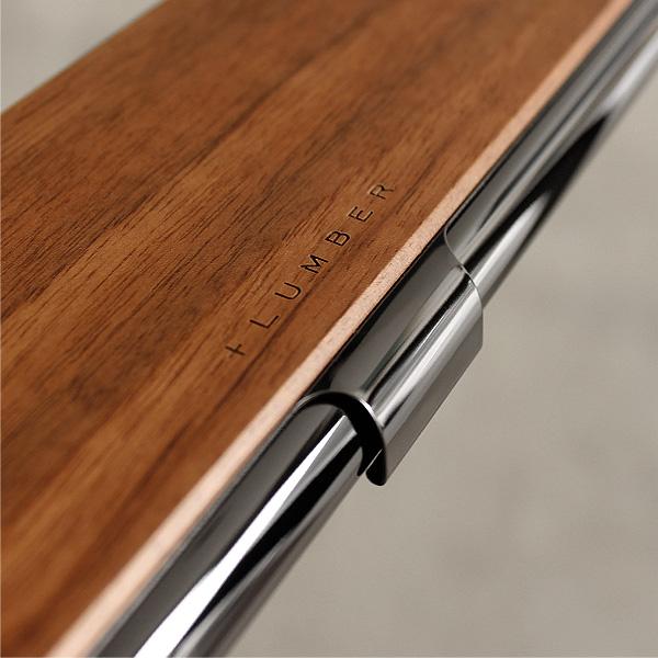 木材とステンレス共に素材が経年変化し、アンティークな趣へ表情を変える楽しみのある筆箱・ペンケースです。